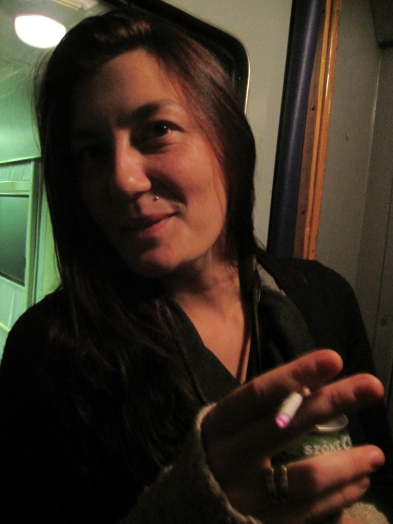 Clementine im Zug auf unserer gemeinsamen Fahrt nach Belgrad